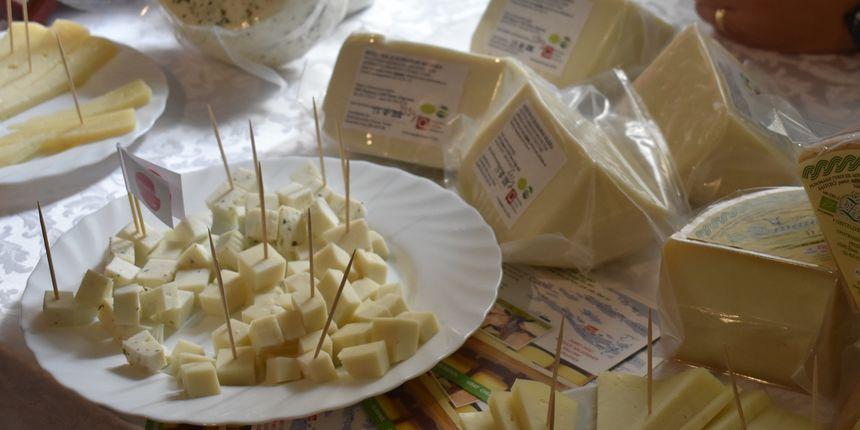 Jedan znak koji zorno pokazuje da jedete više sira nego što biste trebali
