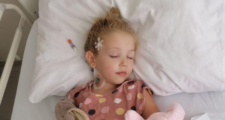 Kiara ima rijedak rak mozga no njezina obitelj neće odustati: 'Ja živo dijete neću zakopati. Borit ću se za nju!'