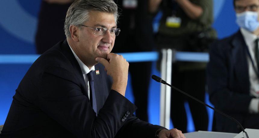 Plenković: 'Plan je da prosječna plaća u Hrvatskoj 2023. bude 1000 eura. Mislim da će se to sigurno ostvariti'