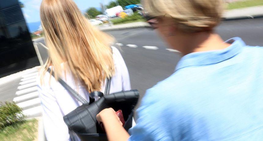 Policajac u Zagrebu na kolodvoru uhvatio ženu na djelu! MUP savjetuje: Gdje vam je novčanik?