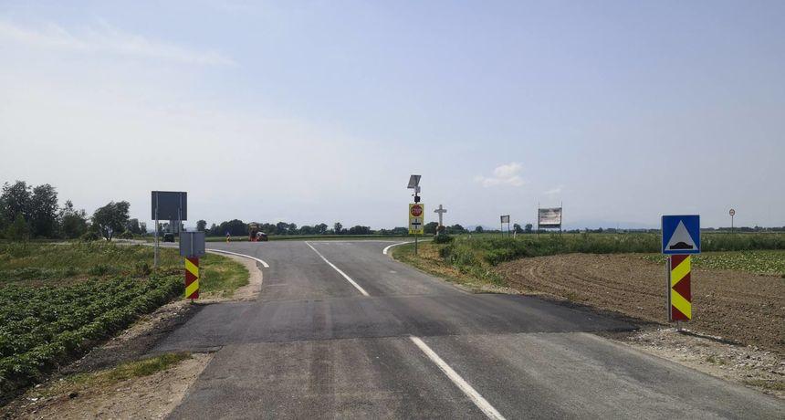 IZAZVAO SUDAR Opasna 'igra' na cesti: Bez vozačke sjeo u auto i mislio da je 'frajer'. No, nije dobro završilo...