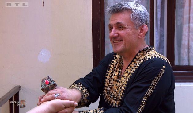 Večera za 5 na selu, Stanislav Hudi