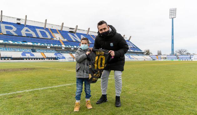 Sjajnom gestom NK Osijek oduševio malog Davida i brojne navijače
