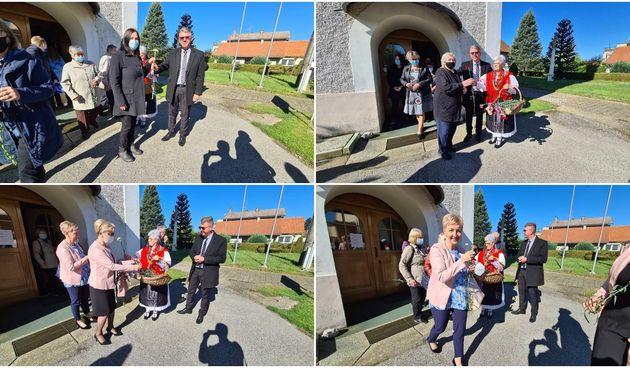 NA MAJČIN DAN Nakon svete mise, Grad Mursko Središće prigodno je darovao majke karanfilima