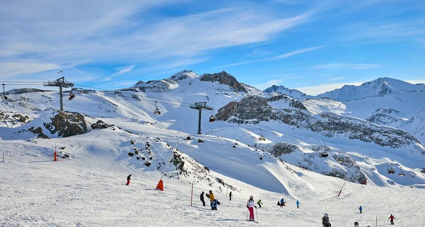 Slučaj skijališta u kojem su se zarazile tisuće ljudi završio na sudovima: 'Ne mogu si oprostiti, jer sam ga ja poslala u smrt'