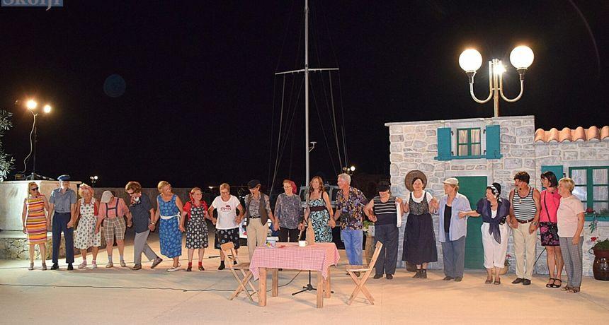 Igrokaz o počecima turizma na Ugljanu ponovno nasmijao do suza