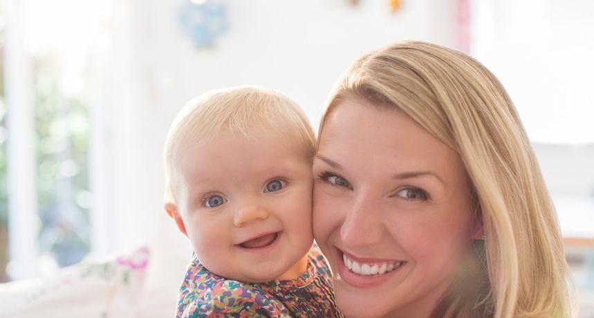 Istraživanje otkrilo što bebe nasmijava i kako pokazuju ljubav