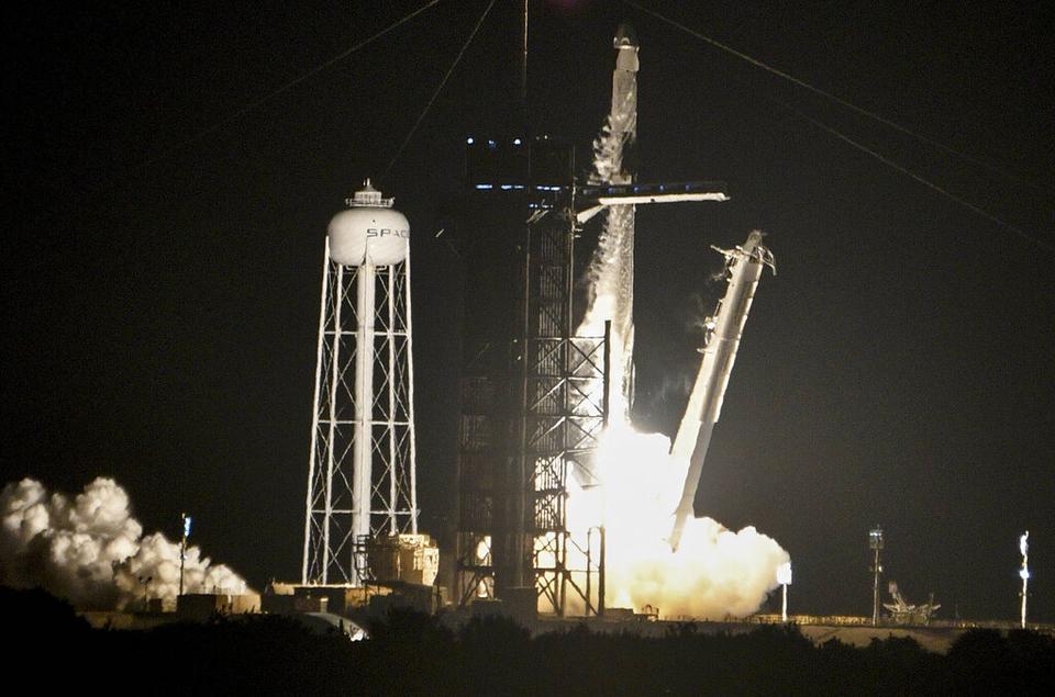 Raketni brod SpaceX uzletio je u srijedu s Floride s prvom potpuno civilnom posadom