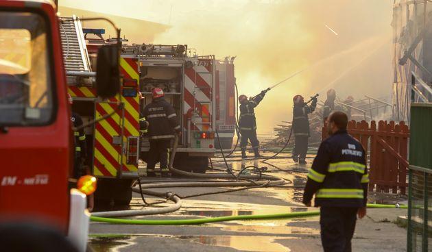 40 vatrogasaca se bori s požarom u Valpovu: Nema ozlijeđenih
