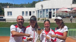 BRAVO, TONKA Sa ženskom teniskom reprezentacijom do 18 godina izborila završnicu Summer Cupa
