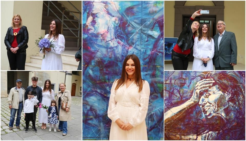 Izložba 'Plave i crvena' Ruse Trajkove u Muzeju Međimurja Čakovec