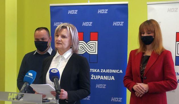 Dugoreški HDZ predstavio kandidate za čelne gradske funkcije – Jadranku Golubić za gradonačelnicu i Josipa Vlašića za zamjenika gradonačelnika
