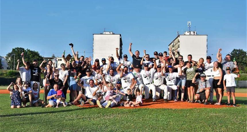 Trostruka kruna karlovačkih bejzbolaša! Nakon europskog Federations Cupa i prvenstva Hrvatske, osvojili i Kup!