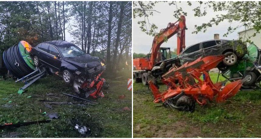 KOD HODOŠANA Mladi vozač (23) sletio s ceste, udario u drveća i ogradu pa završio na plugu za oranje