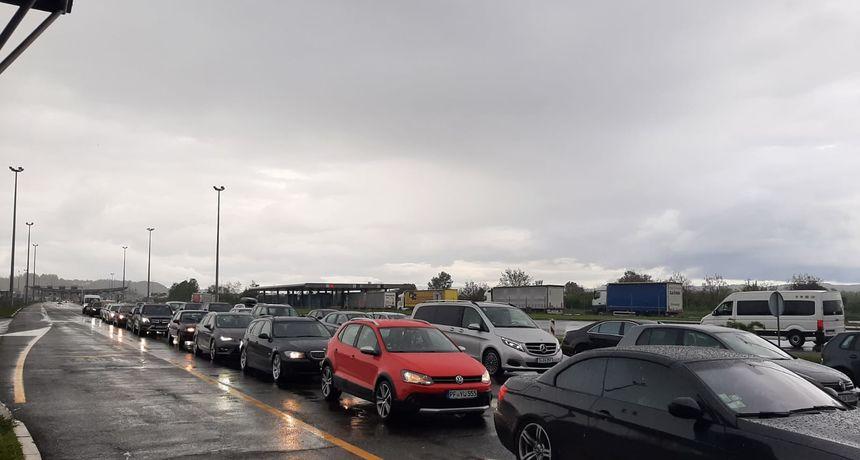 Jak promet prema Hrvatskoj: Na granicama se čeka po sat vremena