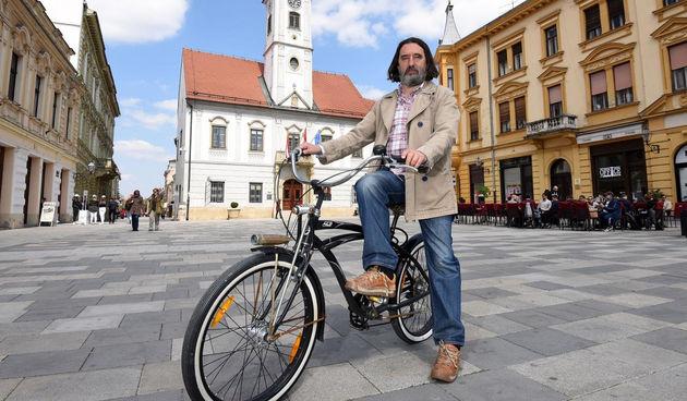 Ivan Čehok, bicikl