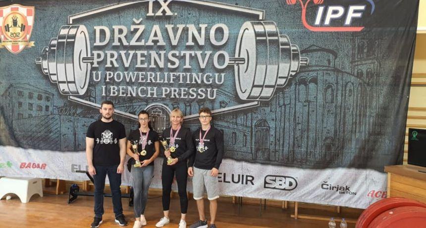Vukovarci izvrsni na državnom prvenstvu u powerliftingu i bench pressu