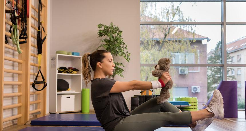 'Mama u formi': Trening s bebom
