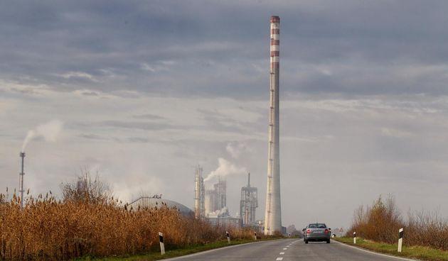 13. Zbog gorenja fosilnih goriva, danas u atmosferi ima više CO2 nego u zadnjih 800.000 godina.