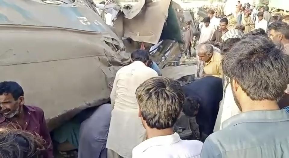 Sudar vlakova u Pakistanu