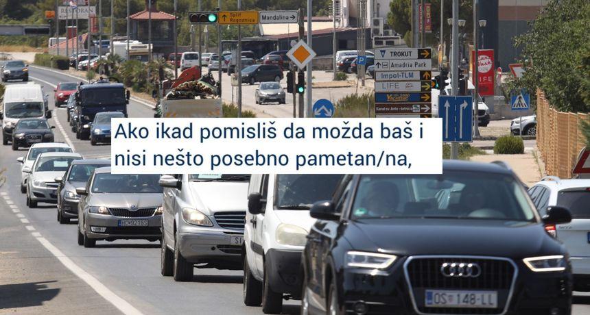FOTO Gužve prema moru Hrvati okrenuli na humor: 'Ako misliš da nisi posebno pametan...'