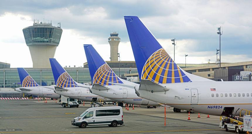 United Airlines otpustio 232 radnika koji su se odbili cijepiti, Boeing želi cijepiti njih 125.000. A tko odbije...