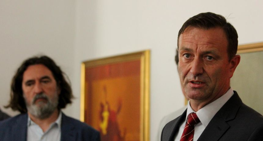 BOSILJ 'Gradonačelnik Čehok na sudu je povukao zahtjev za naknadom štete od građanina Čehoka'