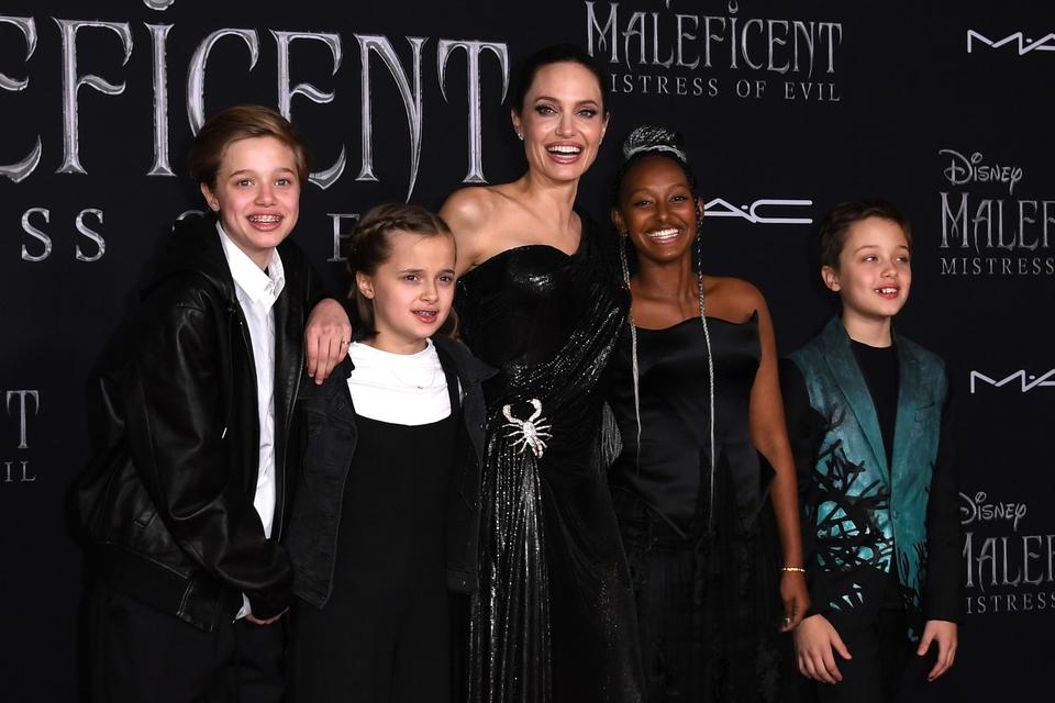 Angelina Jolie s djecom