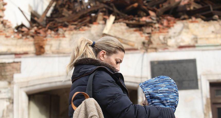 Milenijski zagrljaj u godini zabranjenih zagrljaja: Na koljenima možda jesmo, ali nećemo odustati