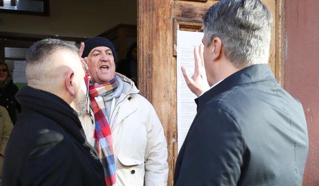 Milanović na glasovanje došao sa suprugom Sanjom: Muškarac ga opako verbalno napao ispred birališta