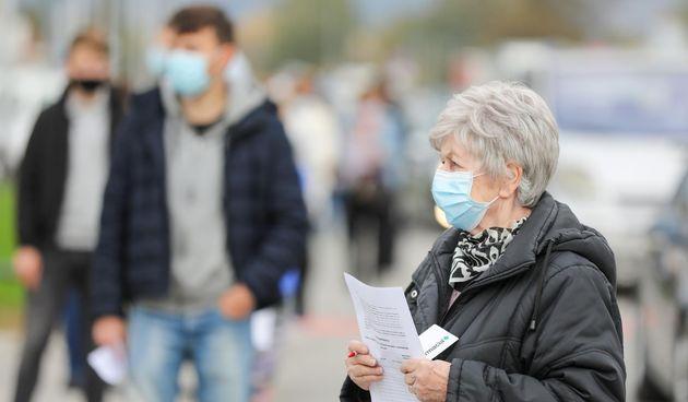 Velike gužve na testiranje na koronavirus na Zagrebačkom velesajmu