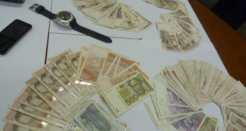 Uhićena trojica specijalizirana za obijanje sefova:  Pronađen novac, oružje i provalnički alat