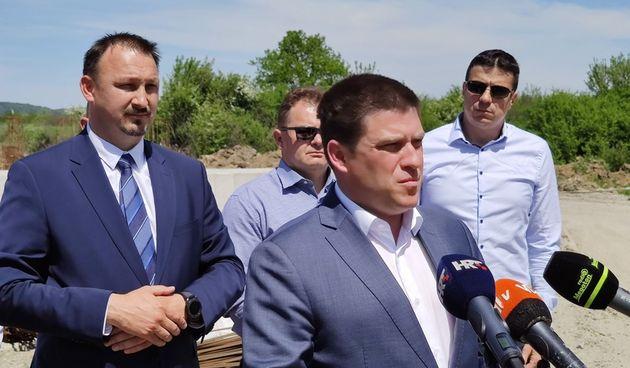 FOTO Ministar Butković obišao radove na istočnoj obilaznici u Novom Marofu