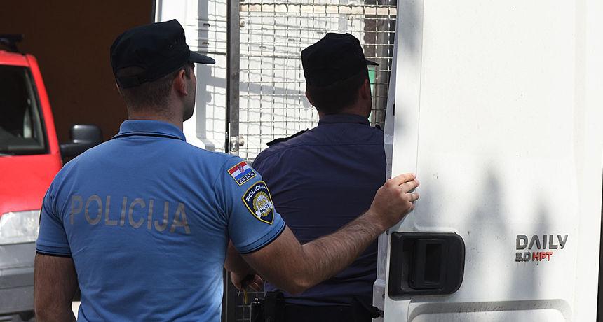 Dvojica završila u pritvoru zbog prijetnji ubojstvom, 44-godišnjak s tuđeg računa na bankomatu ukrao 20 tisuća kuna
