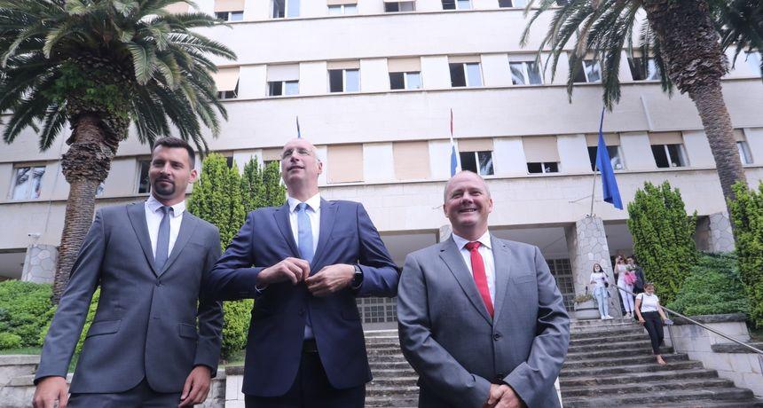 Puljak preuzeo upravljanje Splitom, bivši čelnik grada mu poručio: 'Za naš grad potrebno je gorjeti, ali ne izgorjeti'