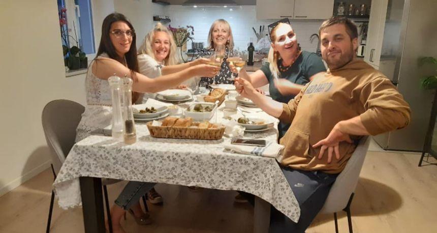 Marica pripremila treću 'večeru za 5': 'Pozvala sam ekipu kod sebe, skuhala im večeru i zajedno smo gledali finale!'