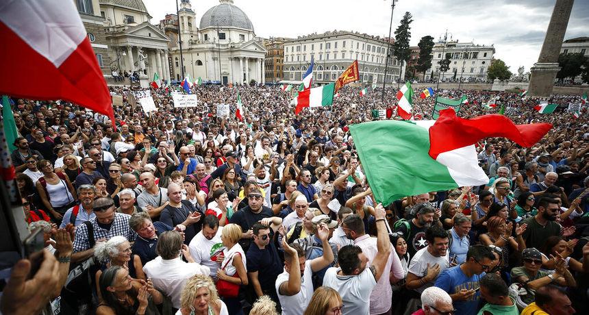 Tisuće ljudi na ulicama Rima i Ženeve prosvjeduju protiv korona mjera