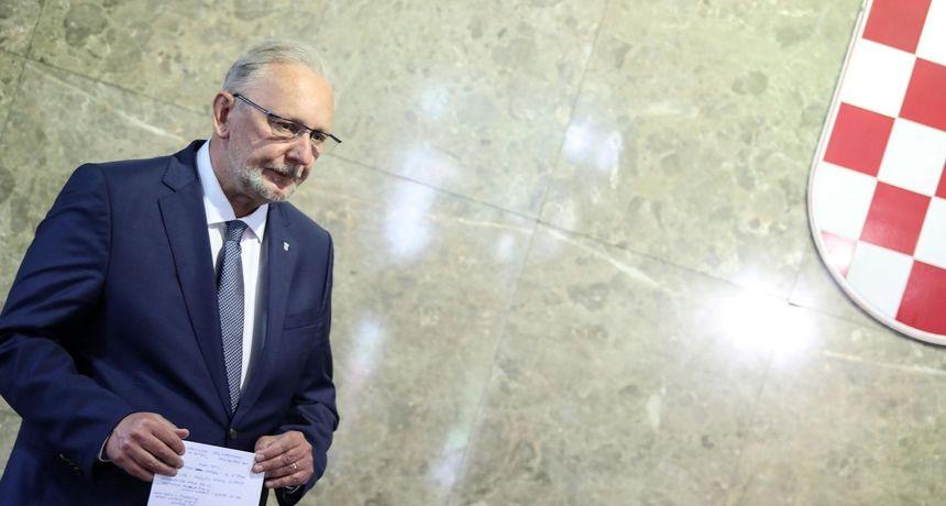 Božinović predstavio aplikaciju za provjeru covid potvrda