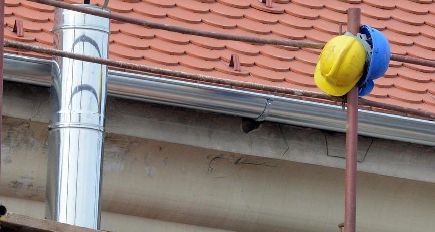 NEOBIČAN SPOR U ČAKOVCU Tužila susjedu jer joj ne da postaviti skelu za radove