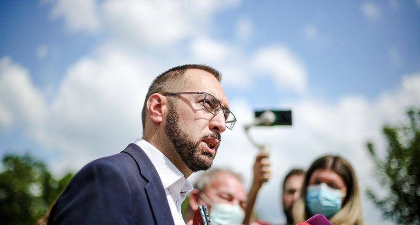 Gradonačelnik Tomašević je smanjio broj službenih vozila u Zagrebu sa 146 na 44 i time uštedio skoro 2 milijuna kuna