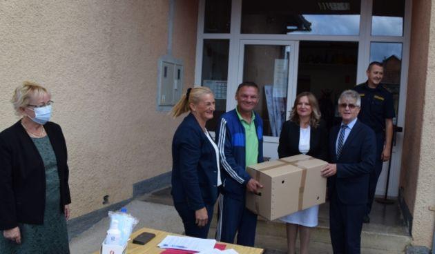 U Slunju podijeljeni paketi pomoći za nezaposlene hrvatske branitelje