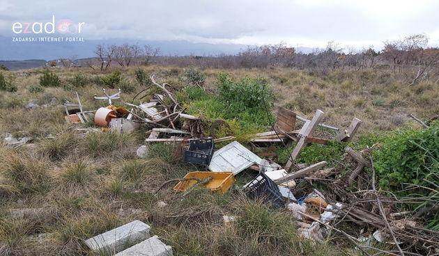 Područje izvorišta Golubinka prepuno otpada