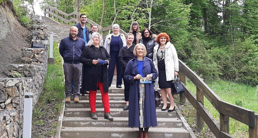 Gordana Lipšinić u lovu na novi mandat za gradonačelnicu Ozlja predstavila svoj tim: Interes i rad za javno dobro su nam prioritet