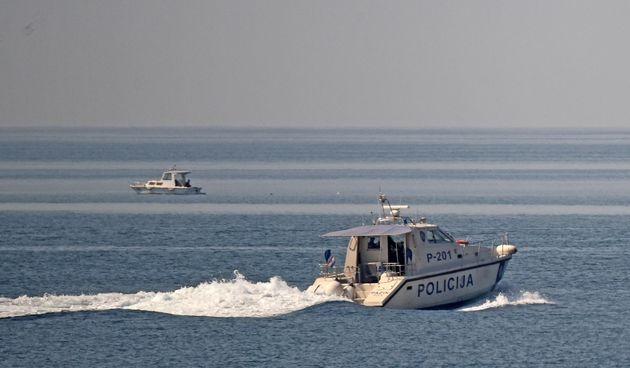 Policija na moru, ilustracija