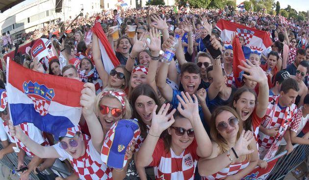 Zadar dočekao svoje Vatrene: Sve generacije okupile se na Forumu