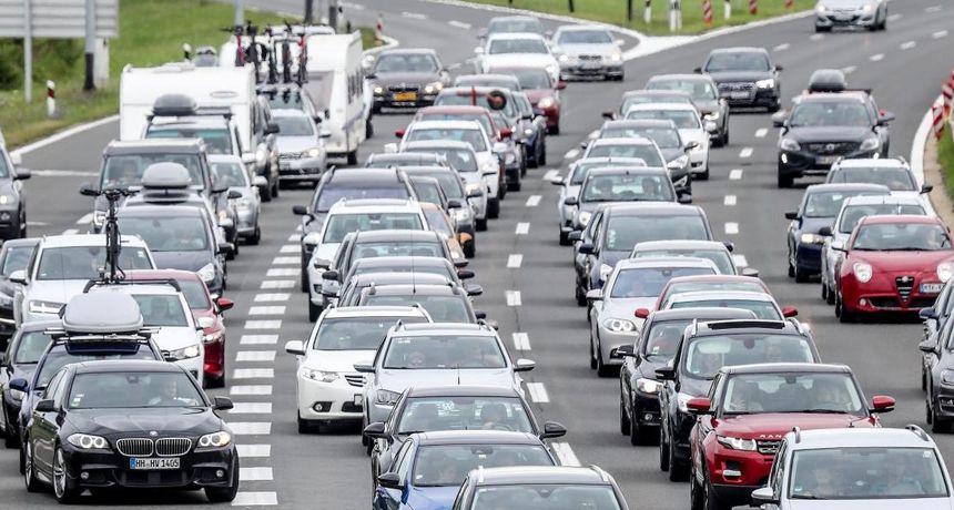 HAK: Pojačan promet prema moru i na pojedinim graničnim prijelazima