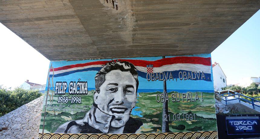 FOTO U Primoštenu napravljen mural 'Obadva, obadva, oba su pala!' - 30 godina nakon poznatog povika