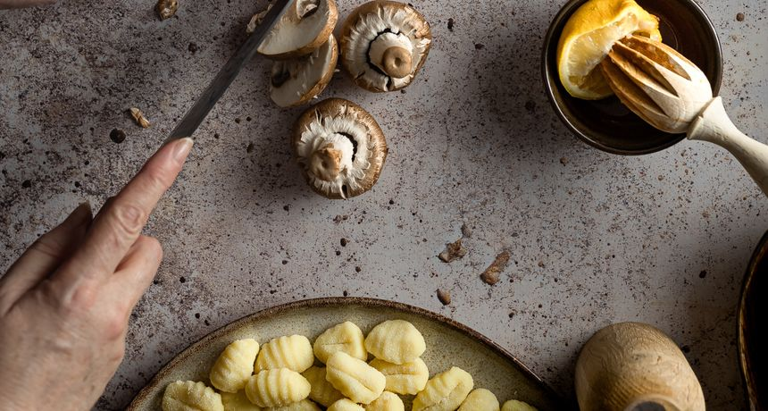 Njoki recepti: Kako kod kuće pripremiti domaće njoke u umaku od gljiva?