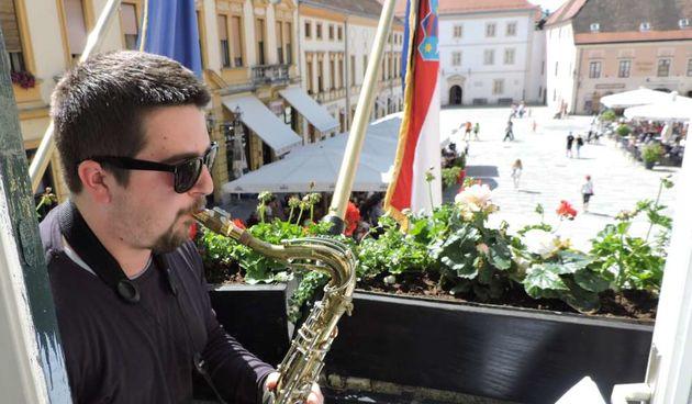 Glazba na balkonima ponovo od ove subote, evo gdje će te moći uživati u glazbi