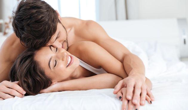 Za vruće noći: 5 načina kako 'pojačati' vatru u vezi  i istinski uživati